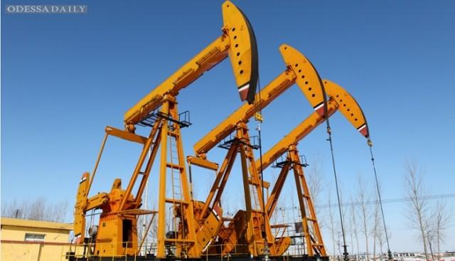 Цена на нефть снижается восьмую неделю подряд