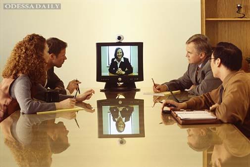 «Я считаю, это очень удобно, экономит время и деньги людей на местах», - Николай Скорик о видеоконференциях