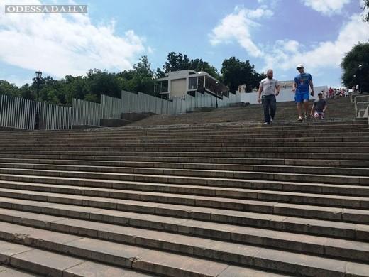 Огороженный участок Потёмкинской лестницы откроют до кинофестиваля