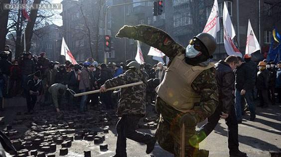 Столкновение под Радой: одесские сторонники «Евромайдана» отправляются в Киев