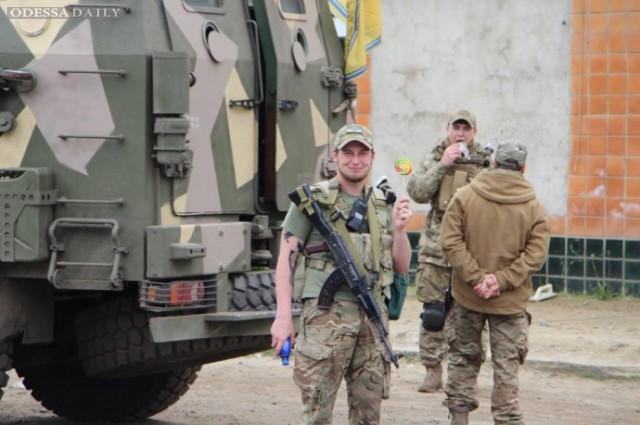Одесситы заметили бронетехнику на улицах города, - СМИ