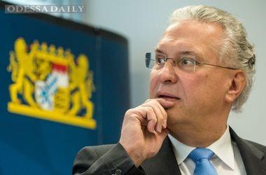 Глава МВД Баварии выступил против отмены виз для украинцев