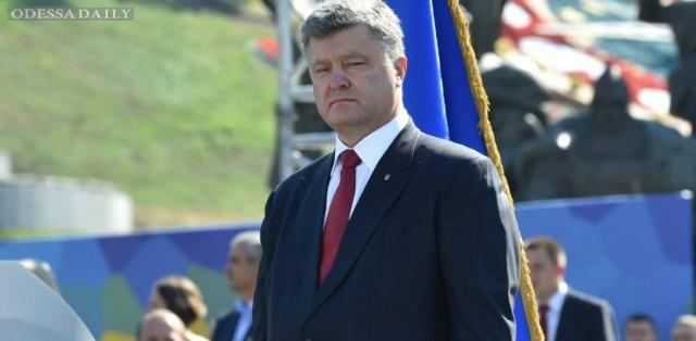 Организаторы судилища над Сенцовым окажутся на скамье подсудимых, - Порошенко