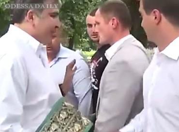 Охрана разнимала губернатора Одесчины и бывшего зама Коломойского, которые «сцепились» из-за выборов