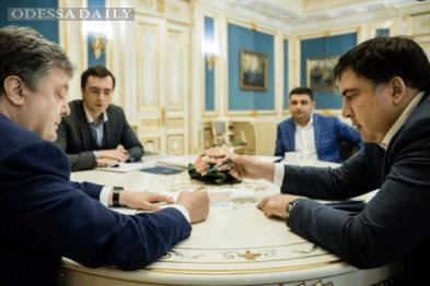 Саакашвили обратился к Порошенко: В Одессе все признаки контрреволюции и распада государства